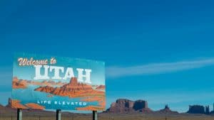 welcome to utah sign board